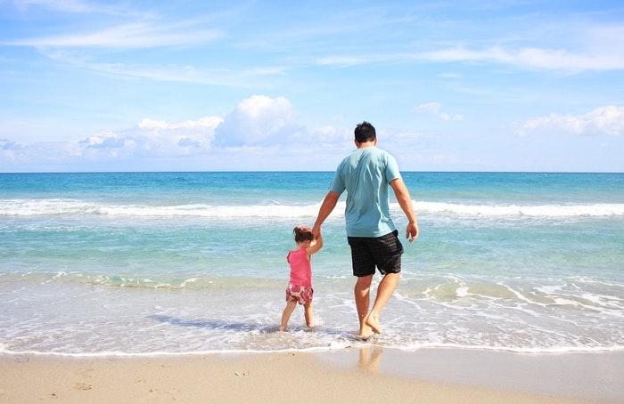 Far og søn på ferie
